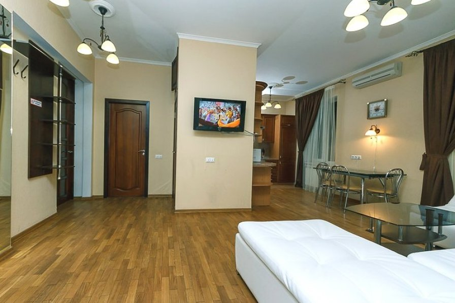 Lux. Two bedrooms. 13 Khreshchatyk, Centre of Kiev
