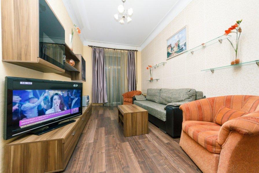 Two-room. 6/2 Krutyi descent. Near Khreshchatyk