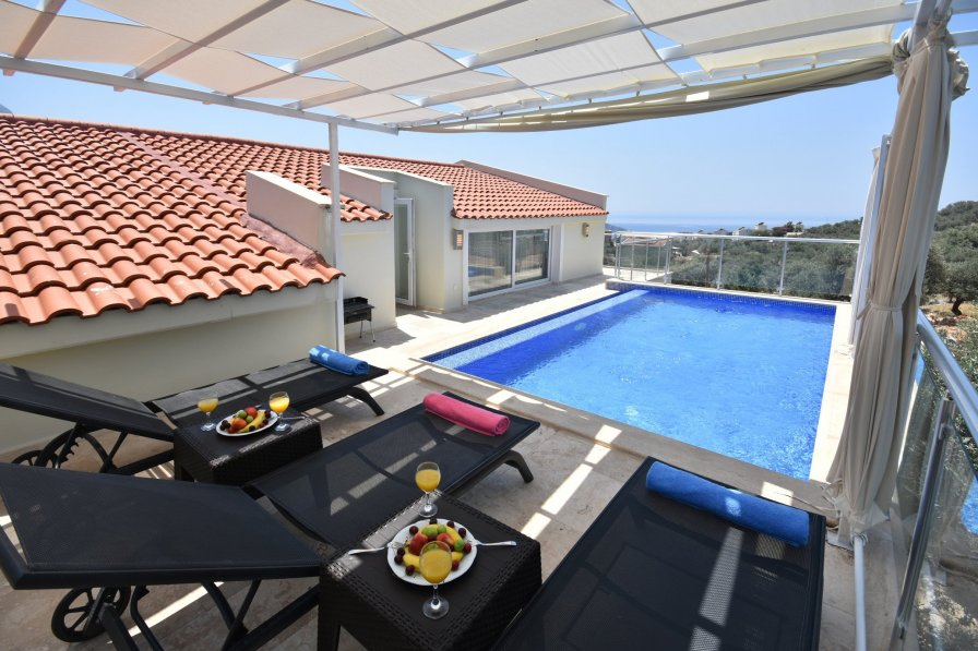 Three Bedroom Dublex with Own Plunge Pool, Great Sea Views