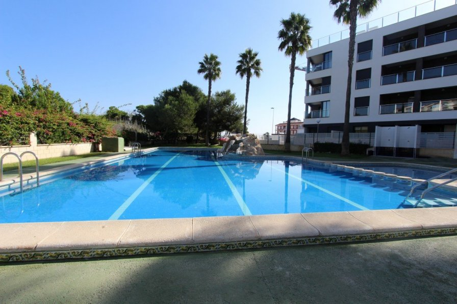 Luxury apartment 100m from the beach, WiFi, Smart TV