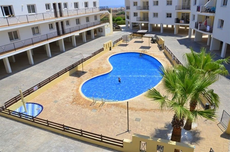 2 Bedroom Apartment with Communal Pool - Neapolis (D6)