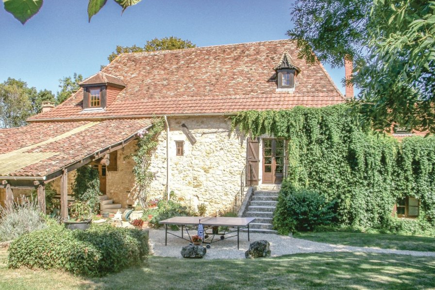 Villa To Rent In Saint Martin Des Combes France With