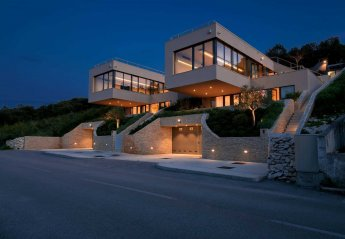 6 bedroom Villa for rent in Zrnovo