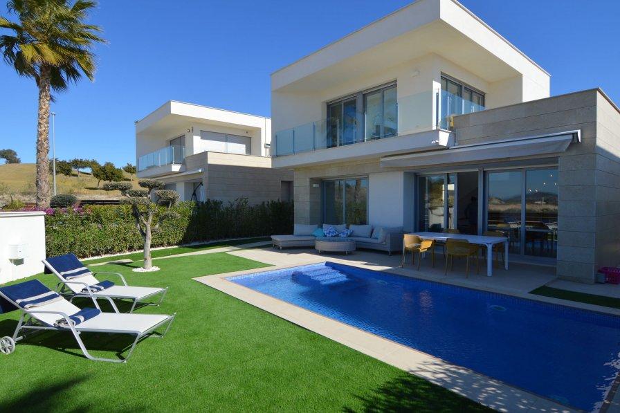 Villa in Spain, Entrenaranjos