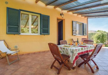 3 bedroom Villa for rent in Campofelice di Roccella