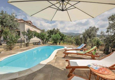 Villa in Rongolise, Italy