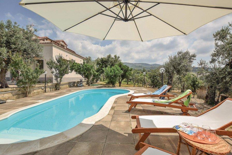 Villa in Italy, Rongolise