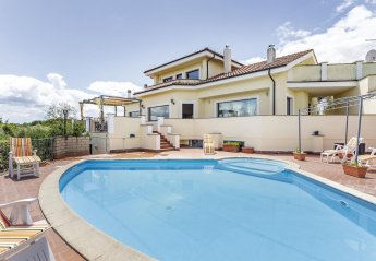 5 bedroom Villa for rent in Bracciano
