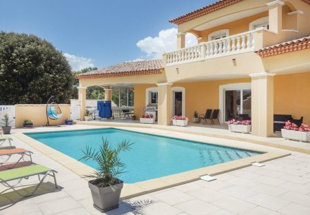 Villa in Valmascle, the South of France