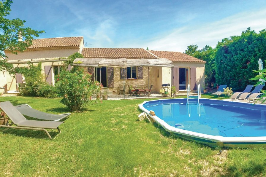 Villa to rent in Pernes-les-Fontaines