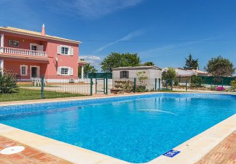 4 bedroom Villa for rent in Alcantarilha