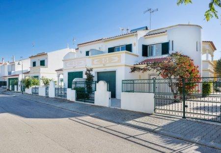 Villa in Manta Rota, Algarve