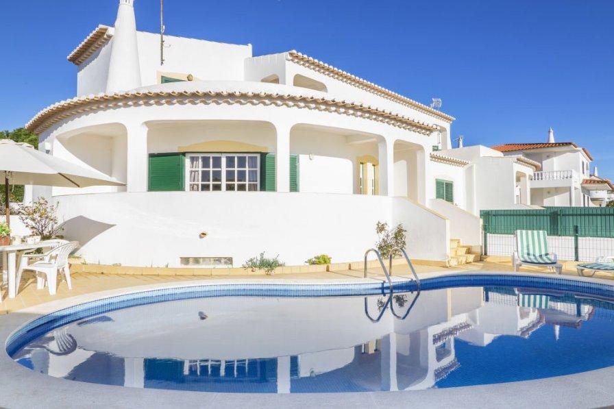 Owners abroad Casa da Ancora