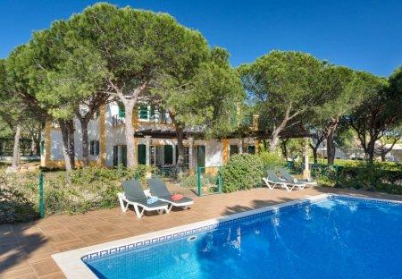 Villa in Praia Verde, Algarve