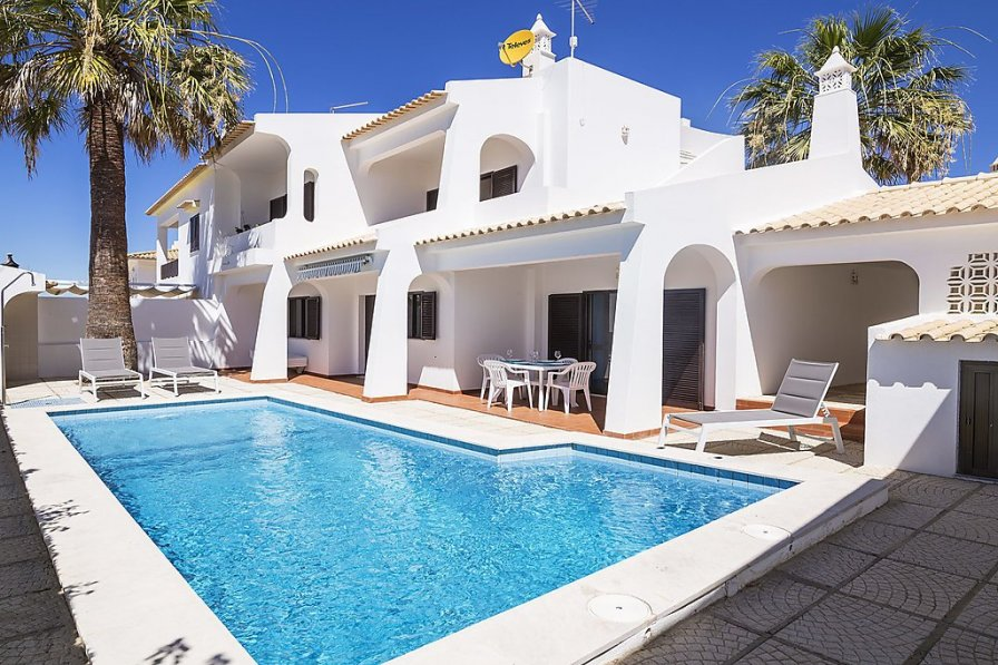 Villa To Rent In Gal 233 Algarve With Private Pool 240020
