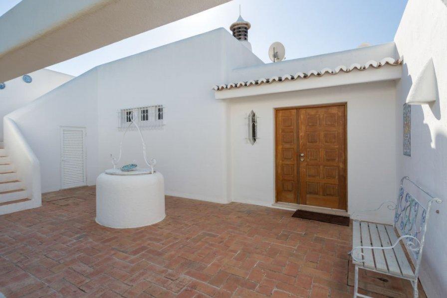 Owners abroad Villa Cristina