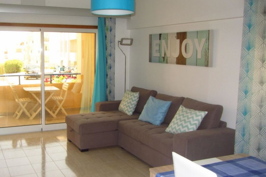 Owners abroad Apartamento T1 no R/chao
