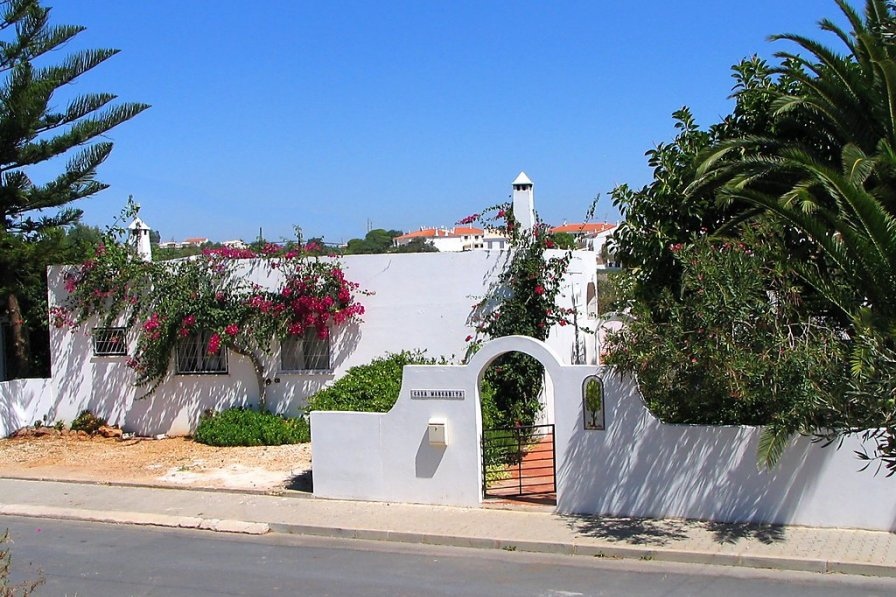 Owners abroad Casa Margarita
