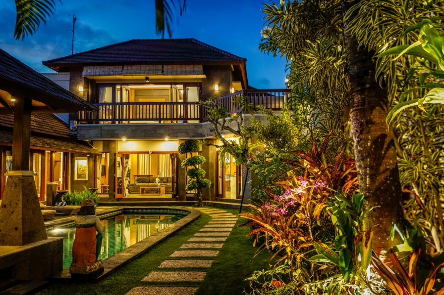 Luxury Villa Purnama -3 Br Private Villa in Central Canggu