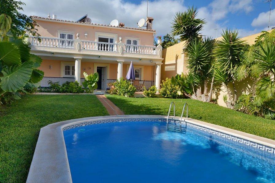 Villas To Rent In Nerja