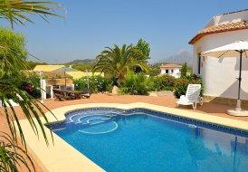 Villa in Entrepinos, Spain