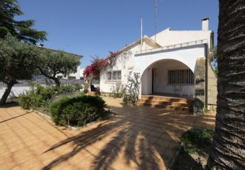 5 bedroom Villa for rent in Cambrils