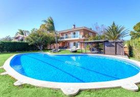 Villa in L'Hidalgo, Spain