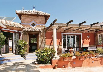 6 bedroom House for rent in Nerja