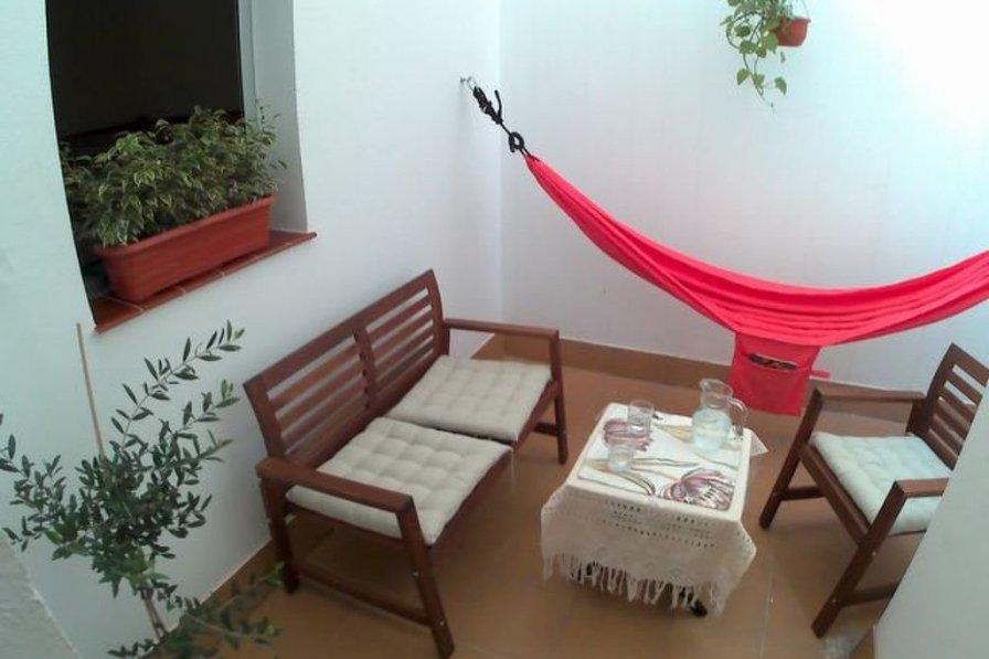 Owners abroad Reina Arminda
