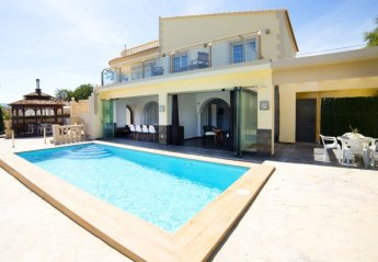 8 bedroom House for rent in Calpe