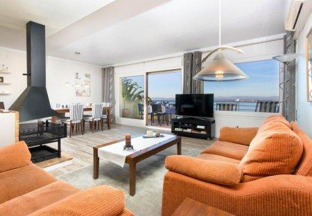 Apartment in Suredes d'en Mairo-Grecs-Muntanyeta, Spain