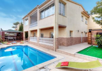 5 bedroom Villa for rent in Lloret de Mar