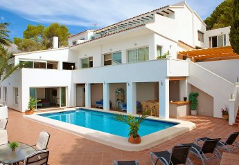 7 bedroom House for rent in Altea