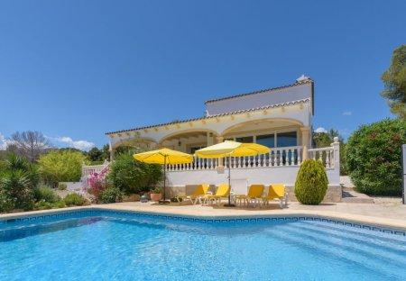Villa in Lluca, Spain