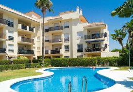 Apartment in Nueva Andalucía, Spain