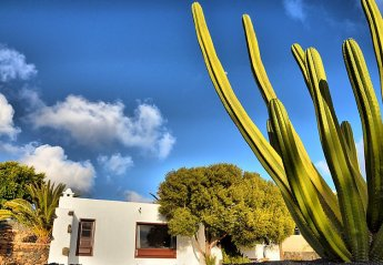 1 bedroom House for rent in Teguise