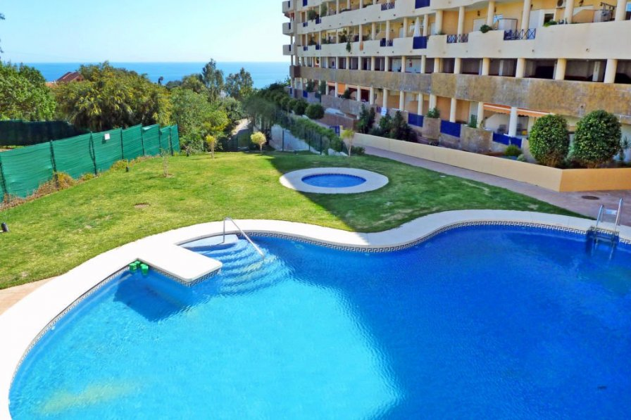 Apartment with swimming pool in Fuengirola