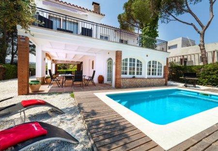 Villa in Urbanització Forn Romà, Spain