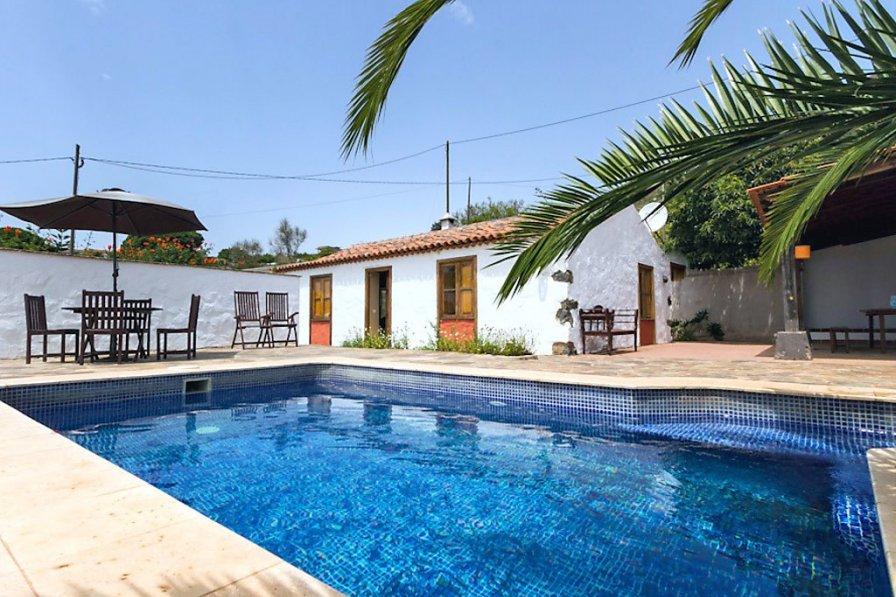 El Rosario villa to rent