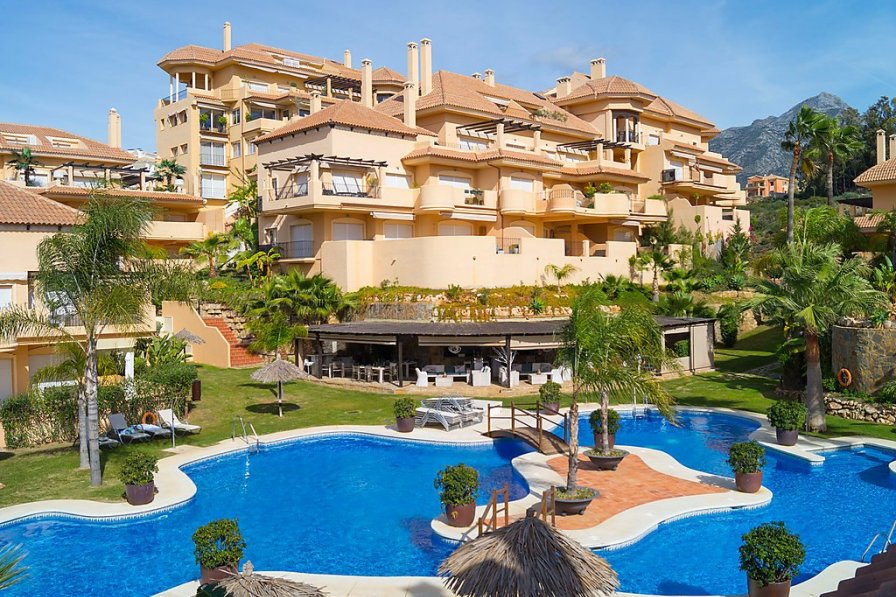 Apartment to rent in Marbella, Spain with swimming pool ...