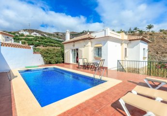 5 bedroom House for rent in Torrox