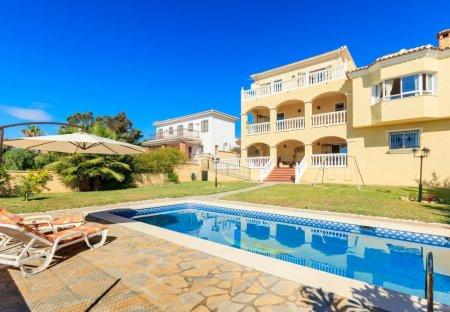 Villa in Rincón de la Victoria, Spain