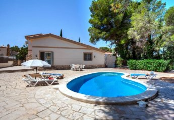 2 bedroom Villa for rent in Tres Calas