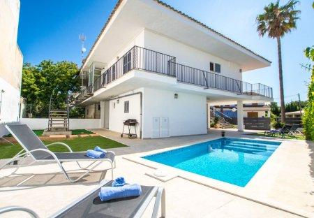 Villa in Es Bacares, Majorca