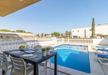 4 bedroom Villa for rent in Empuriabrava