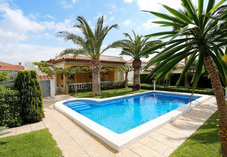 Villa in Miami Platja, Spain