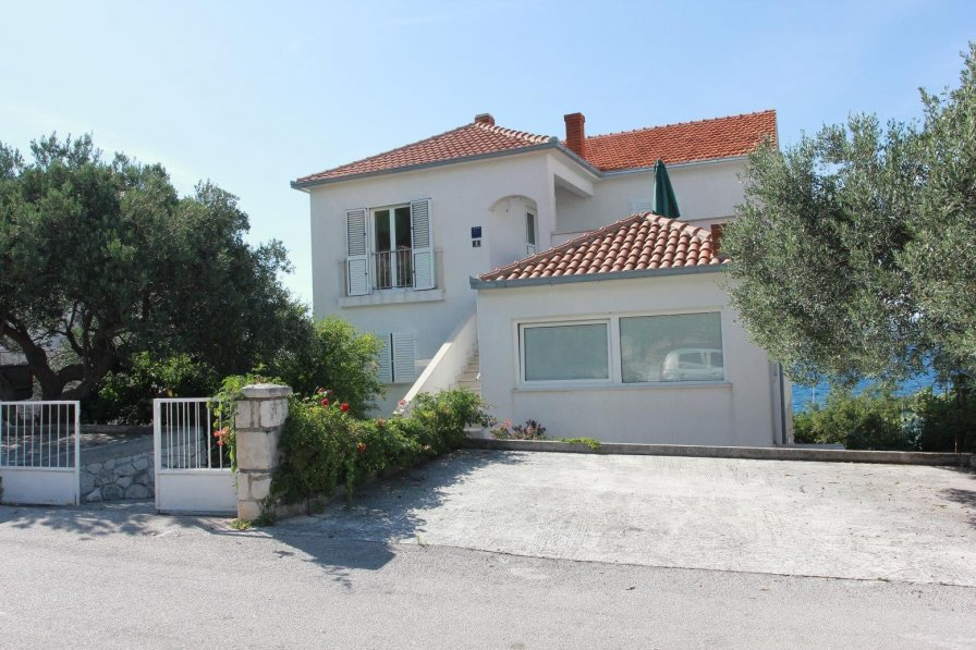 Apartment in Croatia, Postira