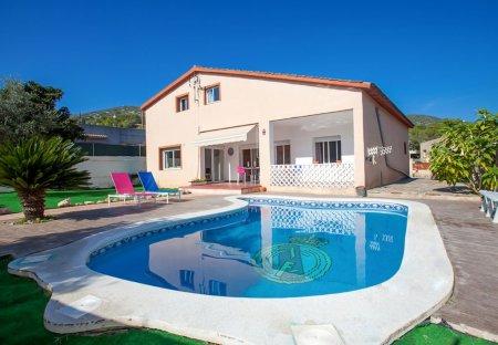 Villa in Les Palmeres, Spain
