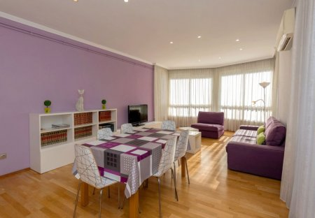 Apartment in Les Corts, Spain
