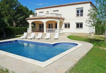 8 bedroom Villa for rent in Tres Calas
